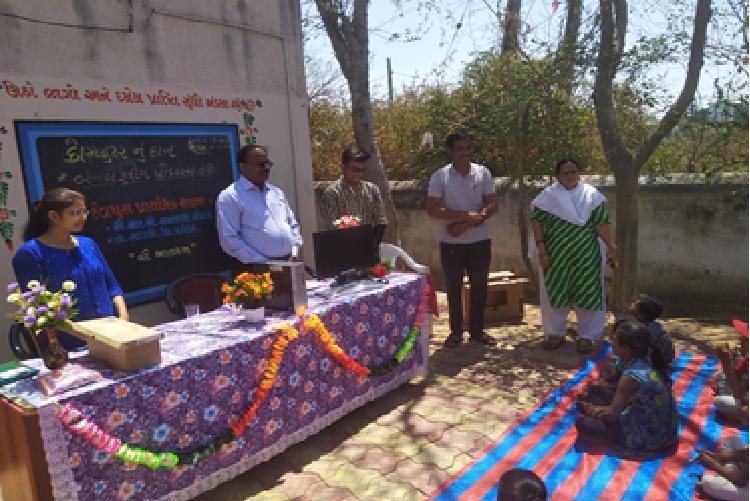 Computer set donation to Devpura Primary School, Savli, Vadodara